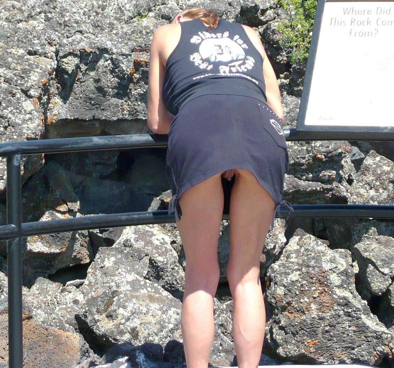 Скрытая фото под юбку в летом 8 фотография