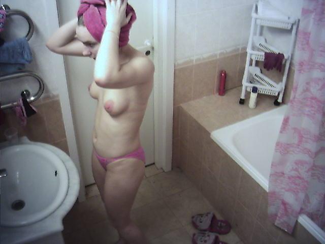 eroticheskoe-foto-v-dome-2