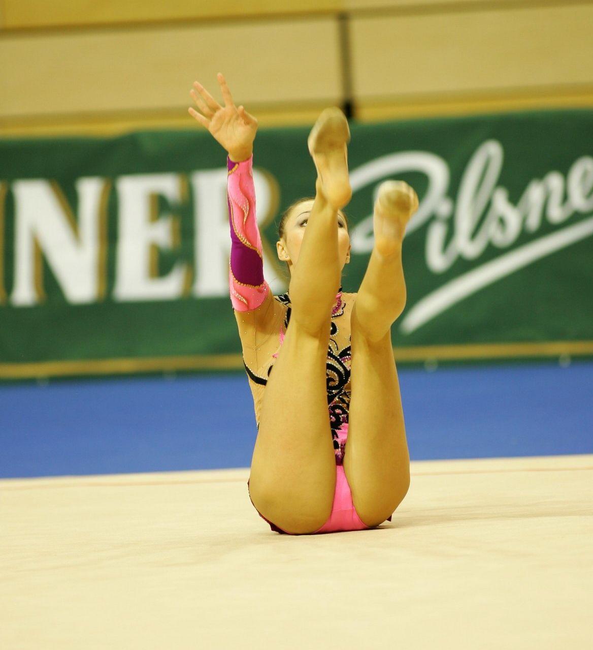 Фото гимнасток в трусах 7 фотография