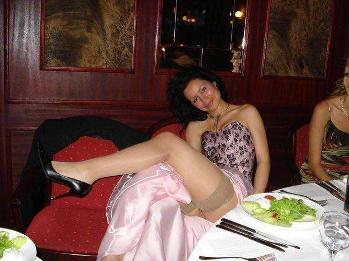 фото пьяных невест без трусов