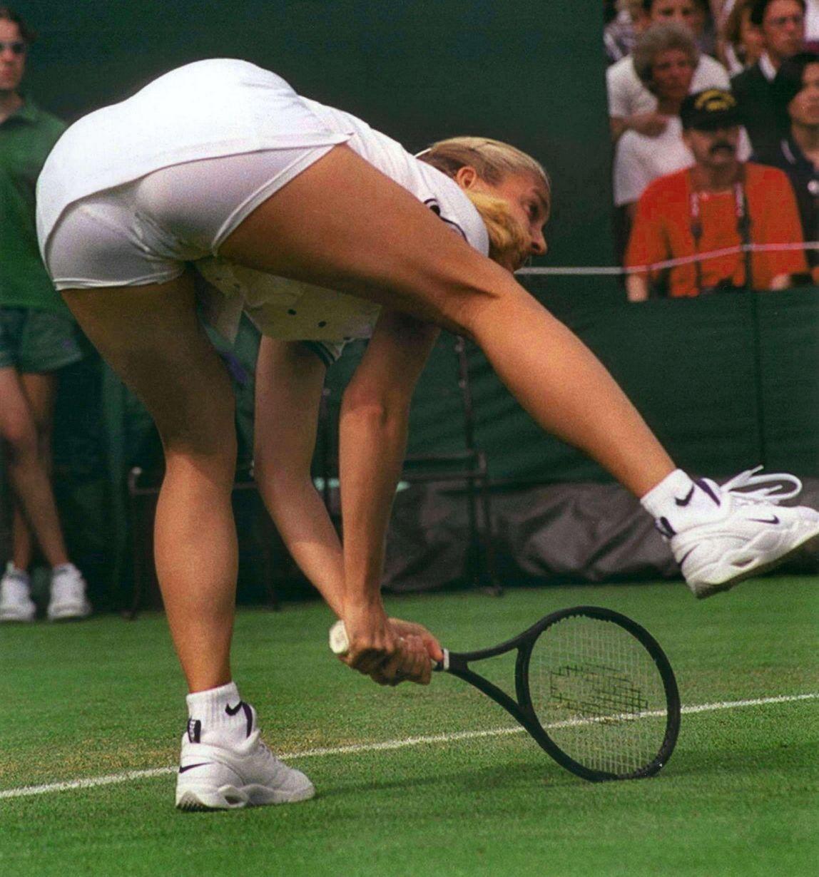 Случайные эротические фото на теннисе 18 фотография
