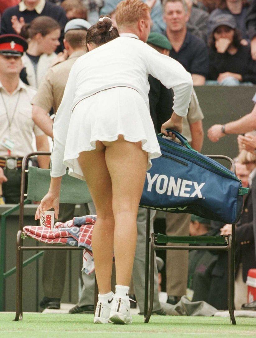 Смотреть теннисистки без трусиков 4 фотография
